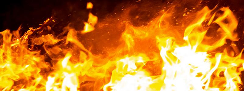 給与ファクタリングの問題点について考える男性